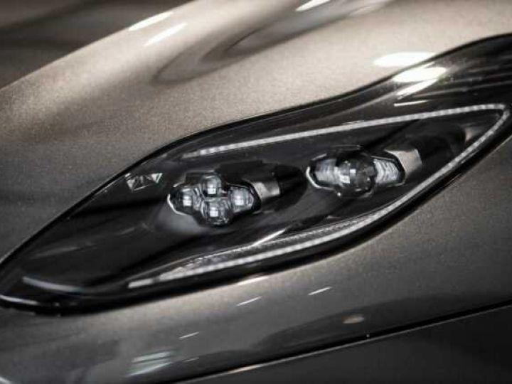 Aston Martin DB11 V8 VOLANTE Magnetic Siver métal - 12