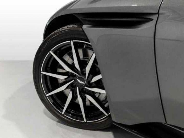Aston Martin DB11 V8 VOLANTE Magnetic Siver métal - 15