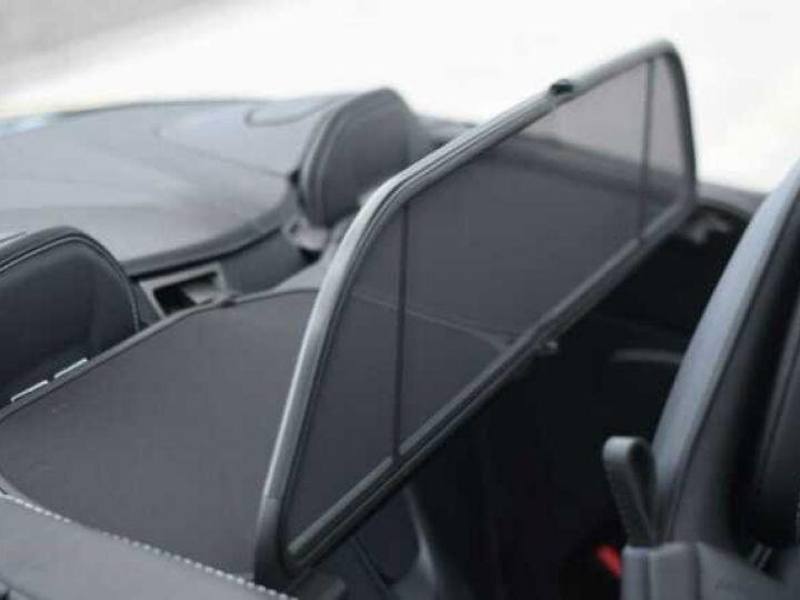 Aston Martin DB11 V8 VOLANTE Onyx Black - 18