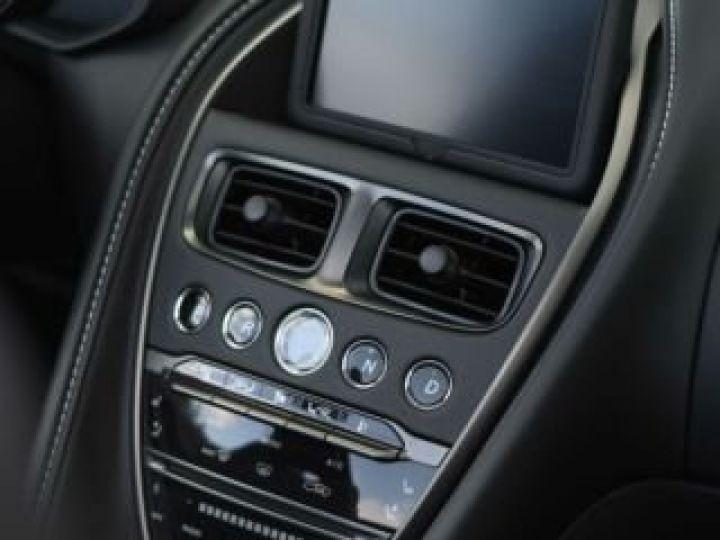 Aston Martin DB11 V8 VOLANTE Onyx Black - 19
