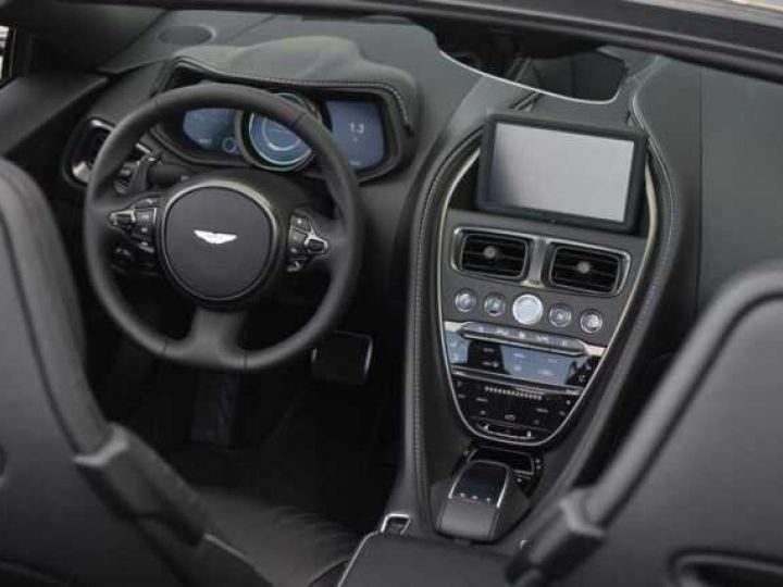 Aston Martin DB11 V8 VOLANTE Onyx Black - 20