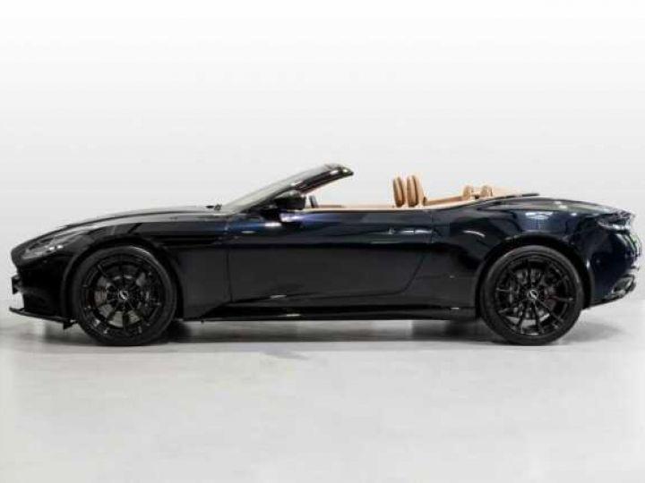 Aston Martin DB11 V8 Volante Ultramarine Black (AML Special - 3