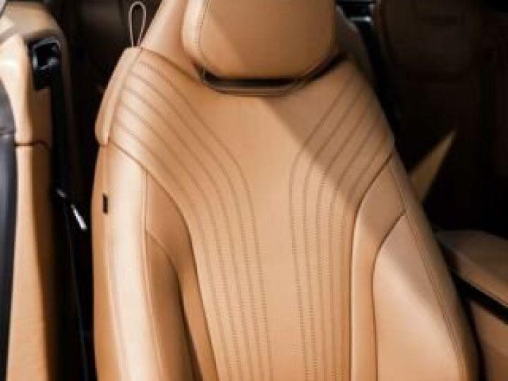 Aston Martin DB11 V8 Volante Ultramarine Black (AML Special - 4