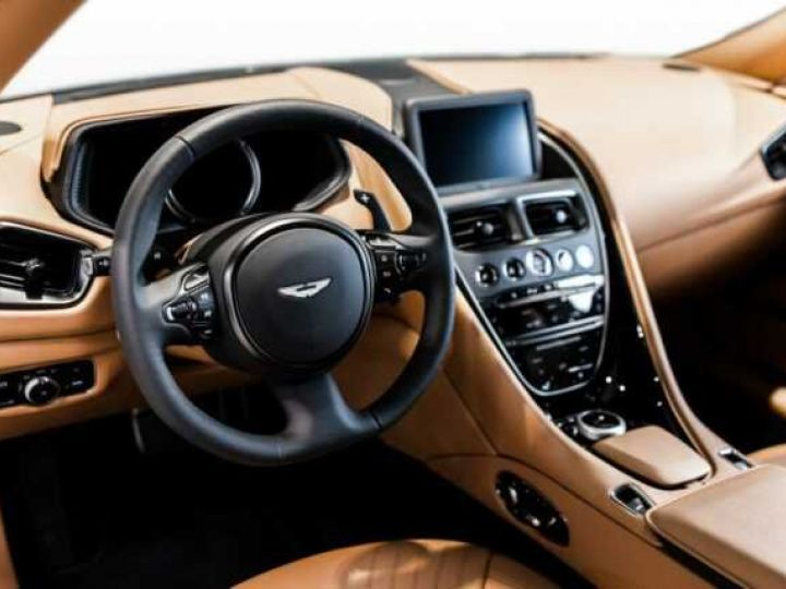 Aston Martin DB11 V8 Volante Ultramarine Black (AML Special - 5