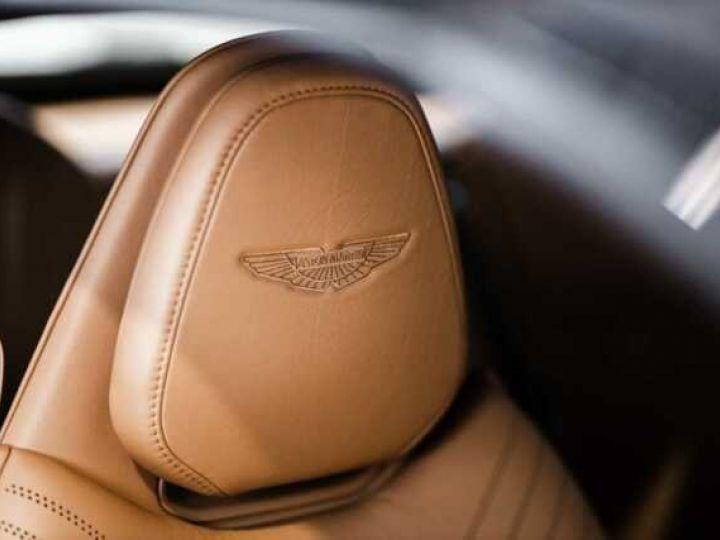 Aston Martin DB11 V8 Volante Ultramarine Black (AML Special - 7