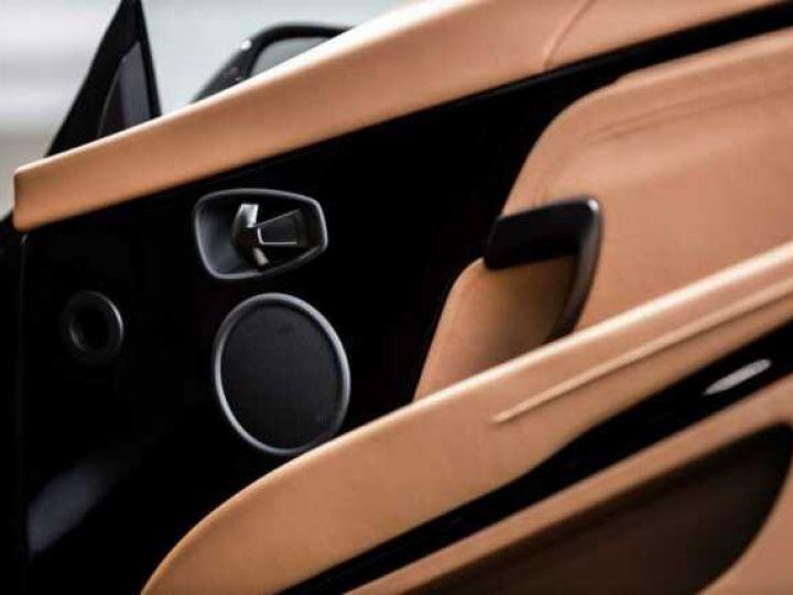 Aston Martin DB11 V8 Volante Ultramarine Black (AML Special - 10