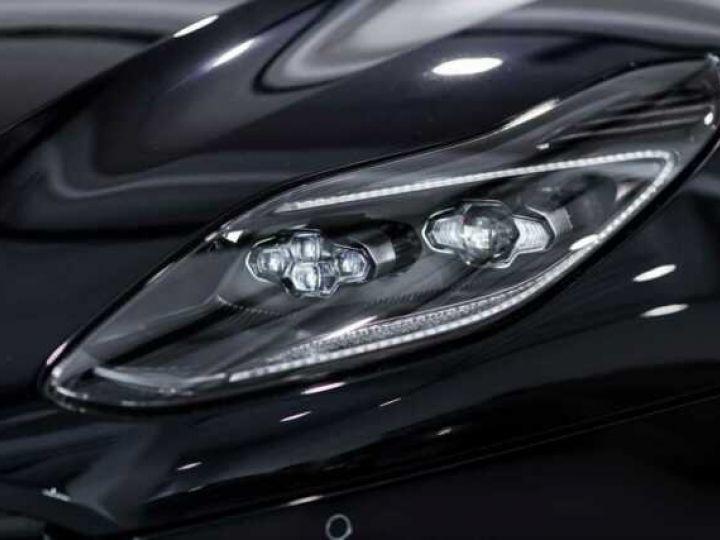 Aston Martin DB11 V8 Volante Ultramarine Black (AML Special - 13