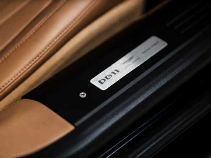 Aston Martin DB11 V8 Volante Ultramarine Black (AML Special - 16
