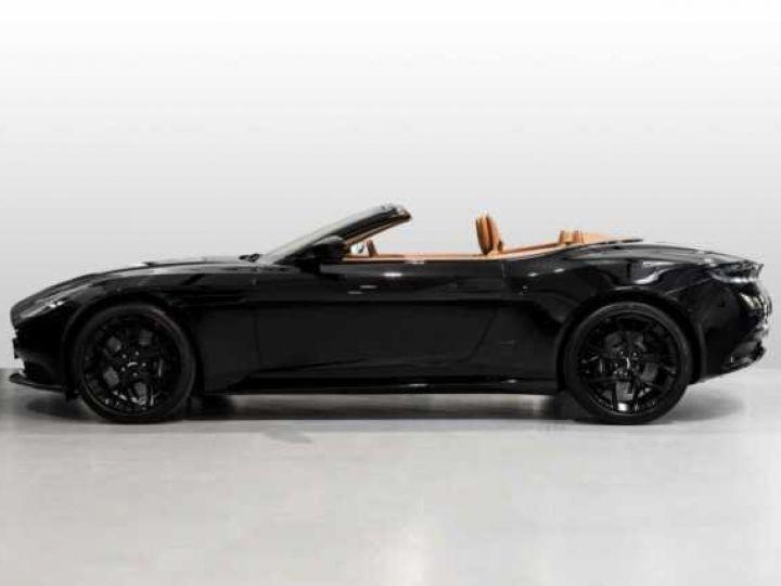 Aston Martin DB11 V8#VOLANTE#BODYPACK BLACK# Special Q Onyx Black - 7