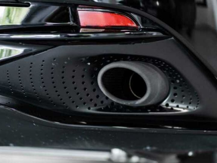 Aston Martin DB11 V8#VOLANTE#BODYPACK BLACK# Special Q Onyx Black - 10