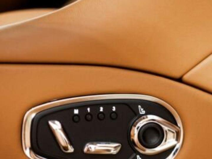Aston Martin DB11 V8#VOLANTE#BODYPACK BLACK# Special Q Onyx Black - 14