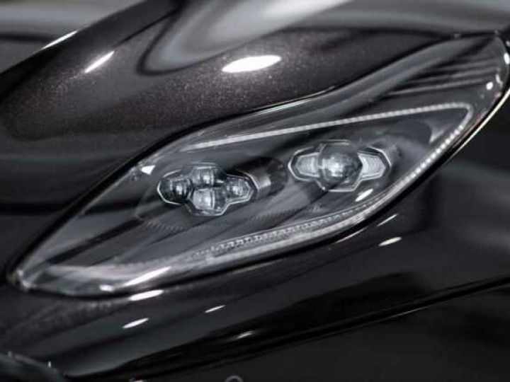 Aston Martin DB11 V8#VOLANTE#BODYPACK BLACK# Special Q Onyx Black - 18