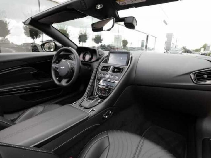 Aston Martin DB11 Volante # Modèle personnalisé Q Paint Céramic Grey métal - 8