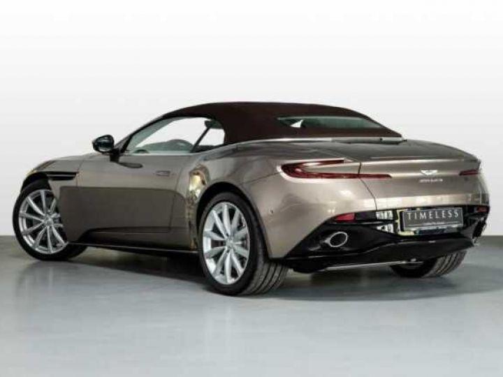 Aston Martin DB11 VOLANTE V8 4.0 MODEL 2020 BLACK BODYPACK Arizona Bronze métal - 2