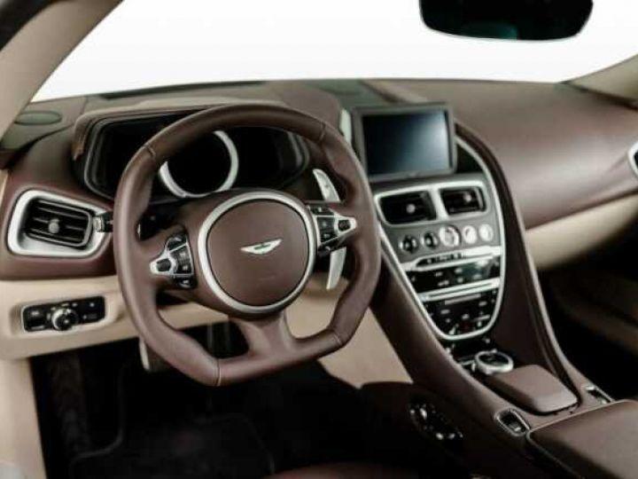 Aston Martin DB11 VOLANTE V8 4.0 MODEL 2020 BLACK BODYPACK Arizona Bronze métal - 3