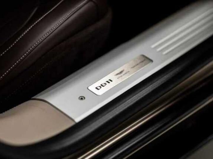 Aston Martin DB11 VOLANTE V8 4.0 MODEL 2020 BLACK BODYPACK Arizona Bronze métal - 8