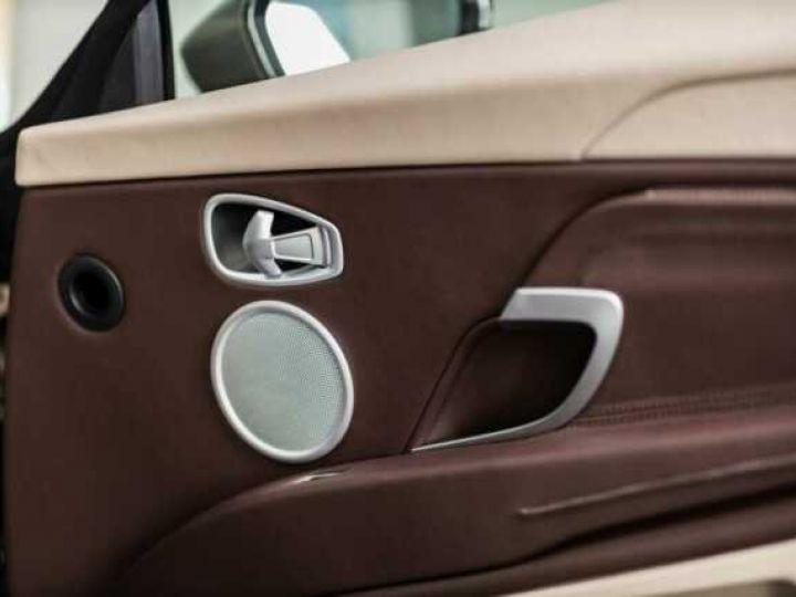 Aston Martin DB11 VOLANTE V8 4.0 MODEL 2020 BLACK BODYPACK Arizona Bronze métal - 9