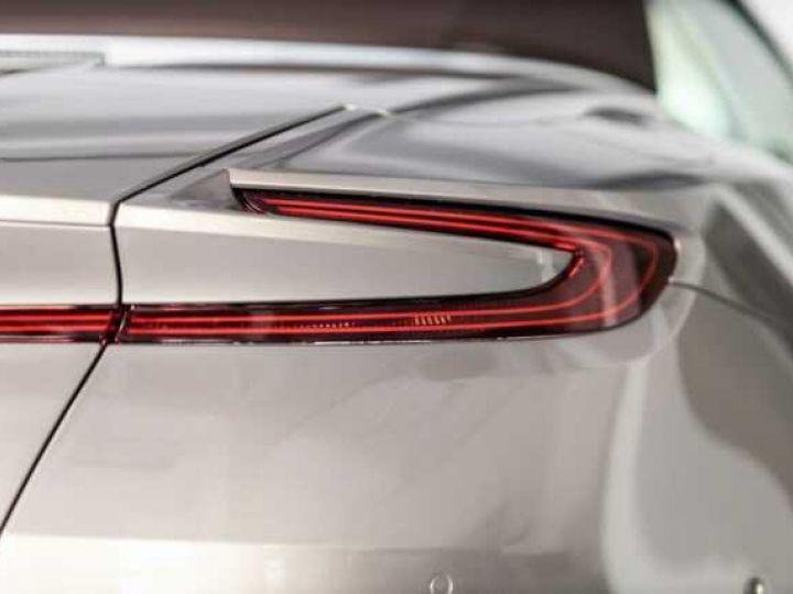 Aston Martin DB11 VOLANTE V8 4.0 MODEL 2020 BLACK BODYPACK Arizona Bronze métal - 11