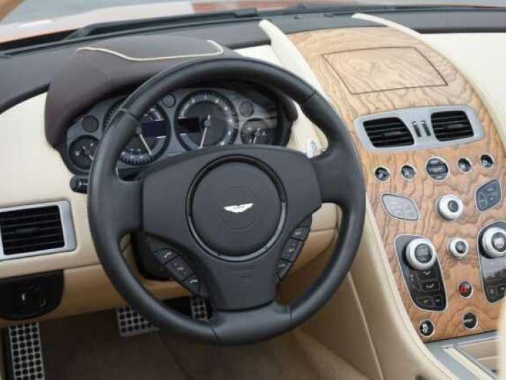 Aston Martin DB9 GT Volante Madagascar Orange métal - 18