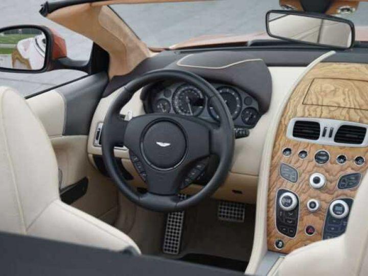 Aston Martin DB9 GT Volante Madagascar Orange métal - 19