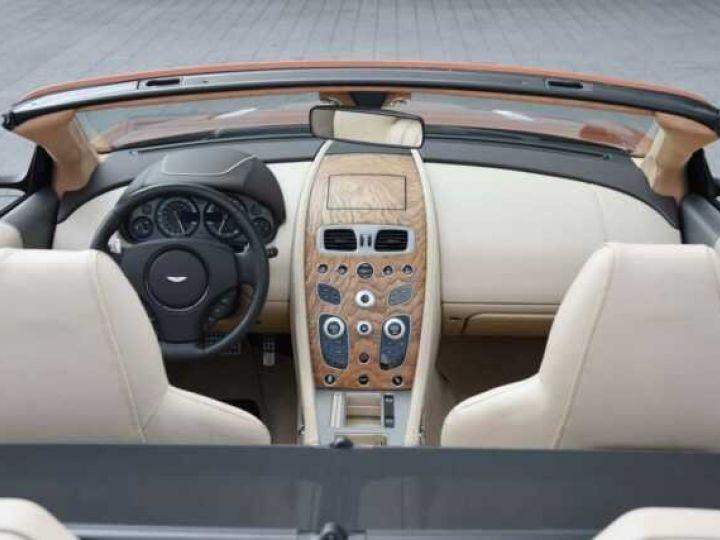 Aston Martin DB9 GT Volante Madagascar Orange métal - 20