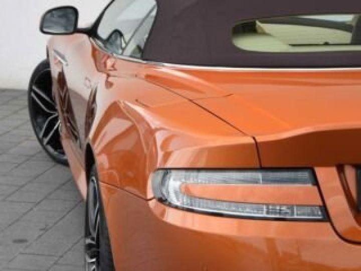 Aston Martin DB9 GT Volante Madagascar Orange métal - 21