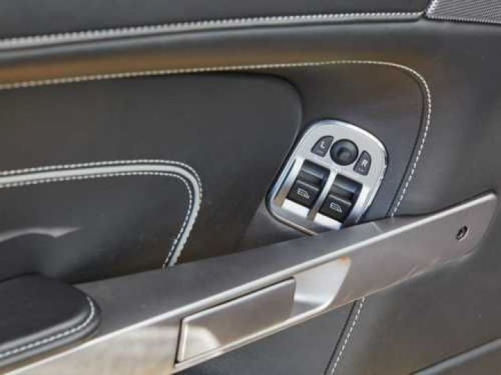 Aston Martin DB9 V12 5.9 517CH TOUCHTRONIC II NOIR Occasion - 17