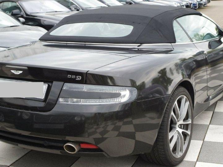 Aston Martin DB9 VOLANTE 5.9 V12 477 TOUCHTRONIC (06/2011) gris foncé métal - 9