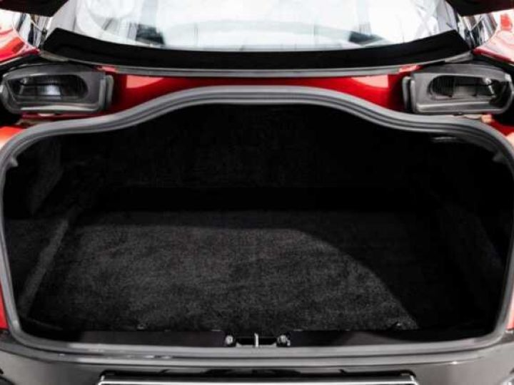 Aston Martin DBS SU'PERLEGGERA # RED DIVINE # BODYPACK CARBON Red Divine métsl - 20