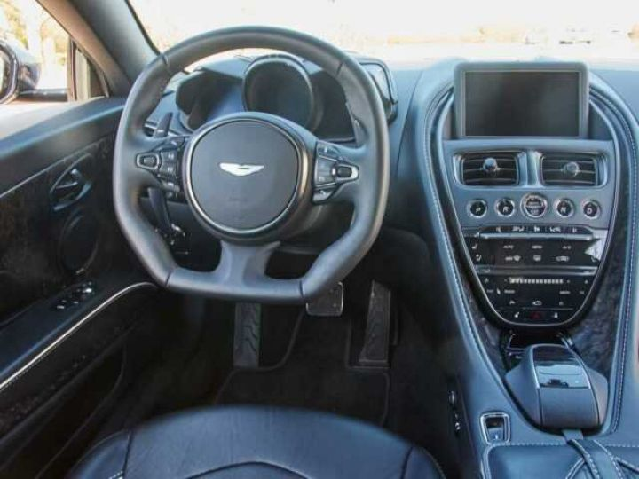 Aston Martin DBS SUPERLEGGERA Onyx Black - 11