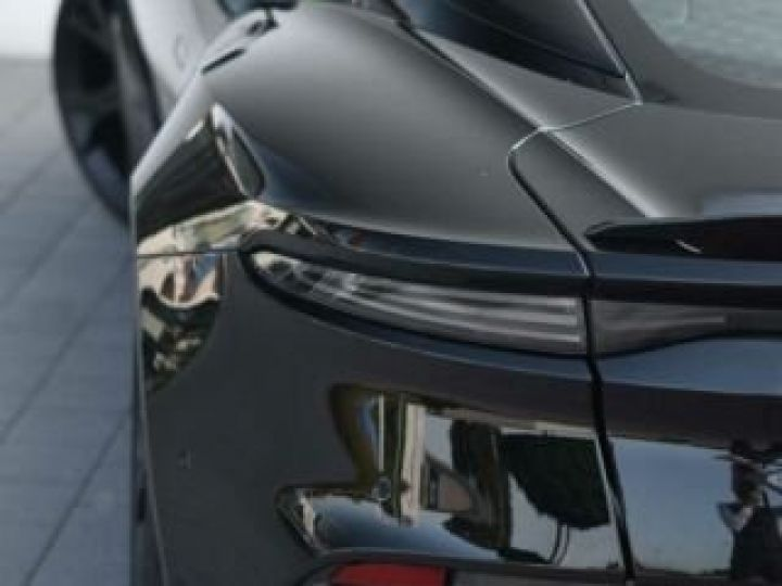 Aston Martin DBS SUPERLEGGERA  Jet Black - 13