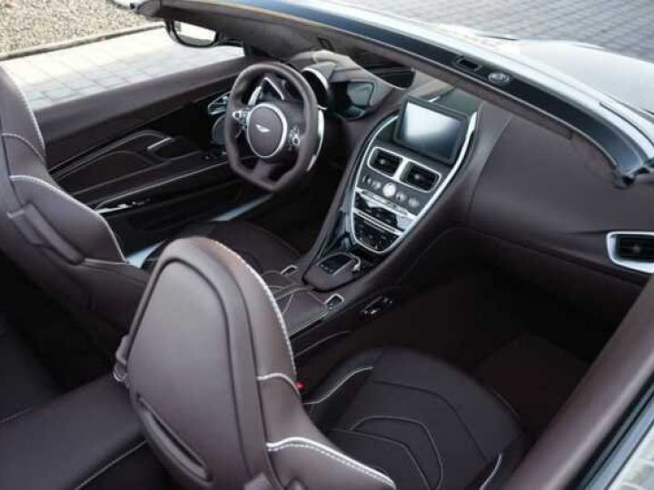 Aston Martin DBS SUPERLEGGERA VOLANTE# 725 CV Hammerhead Silver métal - 18