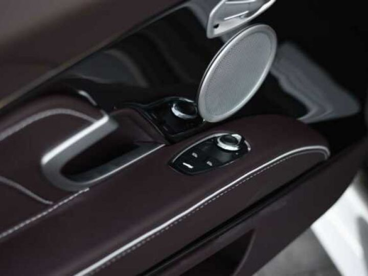 Aston Martin DBS SUPERLEGGERA VOLANTE# 725 CV Hammerhead Silver métal - 20