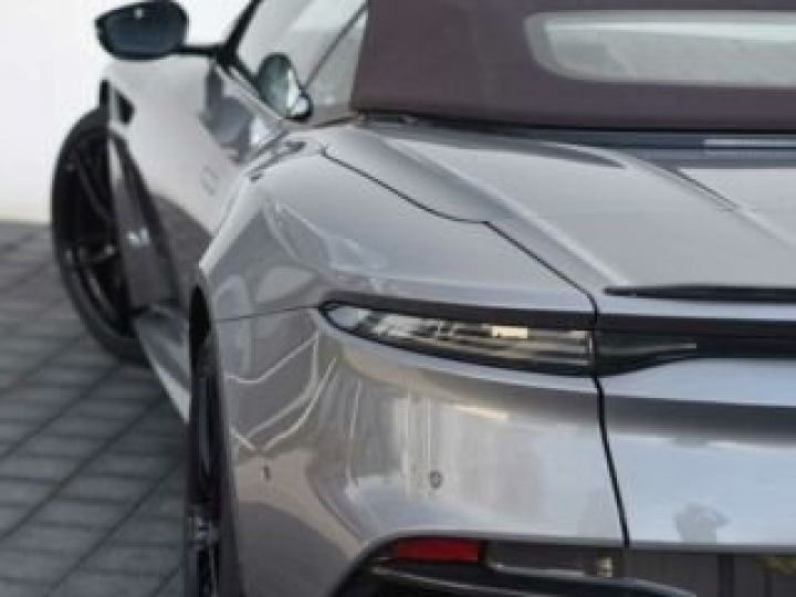 Aston Martin DBS Volante #A Gentleman in a Racing Suit# 725 CV Hammerhead Silver métal - 6