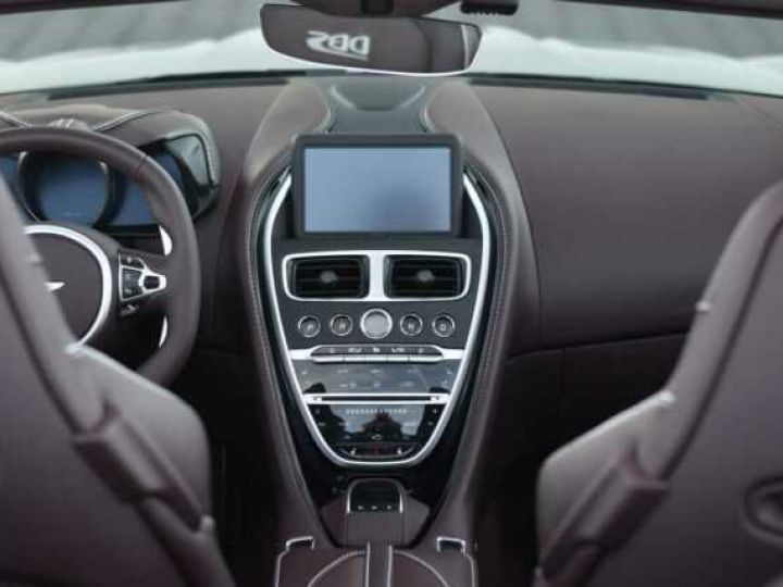 Aston Martin DBS Volante #A Gentleman in a Racing Suit# 725 CV Hammerhead Silver métal - 7