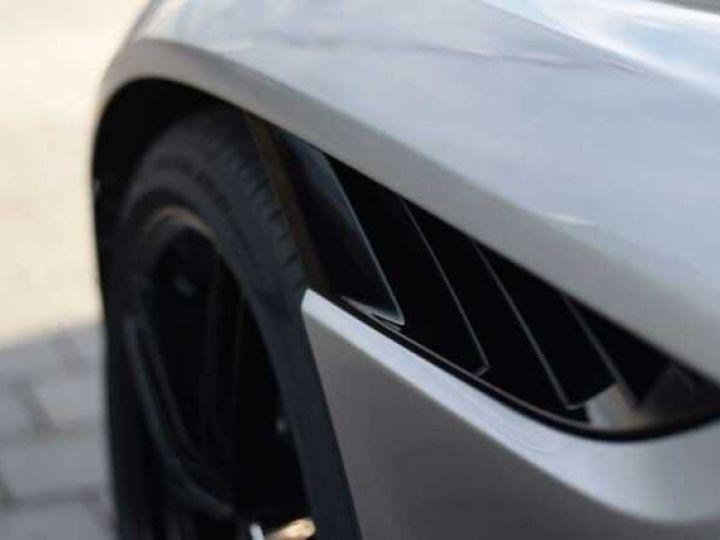 Aston Martin DBS Volante #A Gentleman in a Racing Suit# 725 CV Hammerhead Silver métal - 15