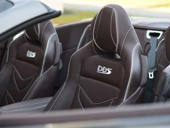 Aston Martin DBS Volante #A Gentleman in a Racing Suit# 725 CV Hammerhead Silver métal - 19