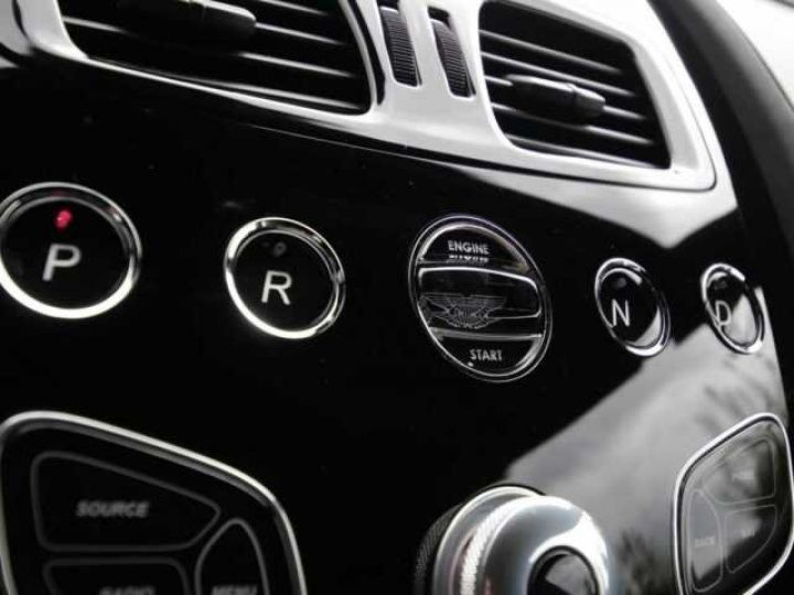 Aston Martin RAPIDE S Onyx Black métal - 15