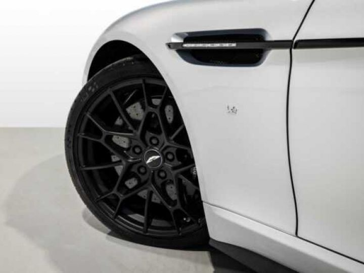 Aston Martin RAPIDE V12 AMR#Bodypack carbone Lightning Silver métal - 3