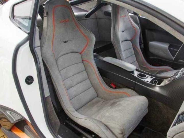 Aston Martin V12 Vantage GT12 #One of one#Geneva Motorshow Car#Modèle inspiré GT3 Compétition Speedway White métal - 7