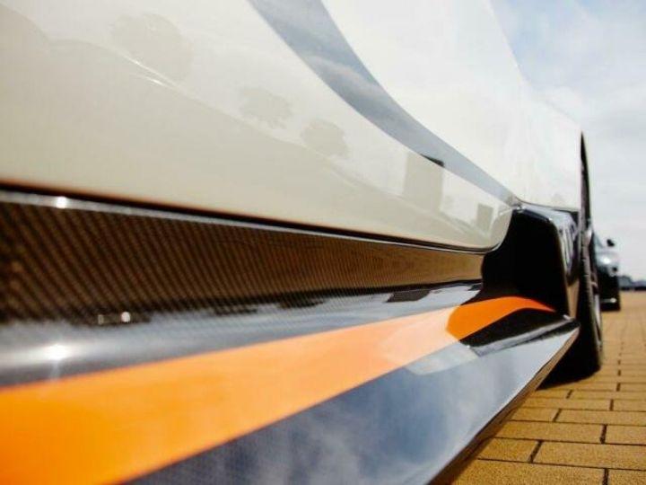Aston Martin V12 Vantage GT12 #One of one#Geneva Motorshow Car#Modèle inspiré GT3 Compétition Speedway White métal - 19