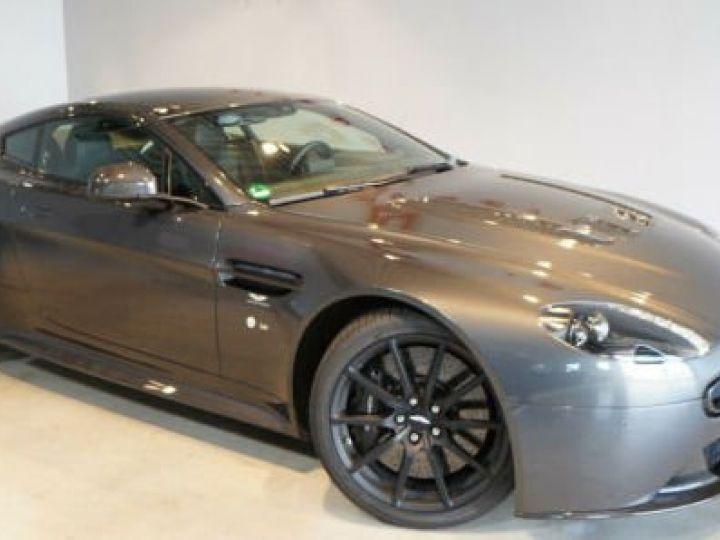 Aston Martin V12 Vantage Pack carbone intérieur+extérieur Meteorite Silver métal - 1