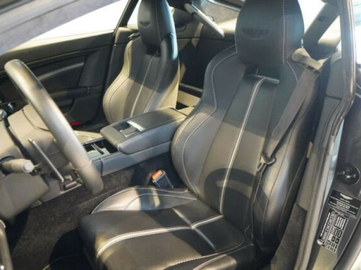 Aston Martin V12 Vantage Pack carbone intérieur+extérieur Meteorite Silver métal - 4