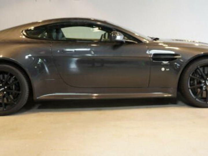 Aston Martin V12 Vantage Pack carbone intérieur+extérieur Meteorite Silver métal - 9