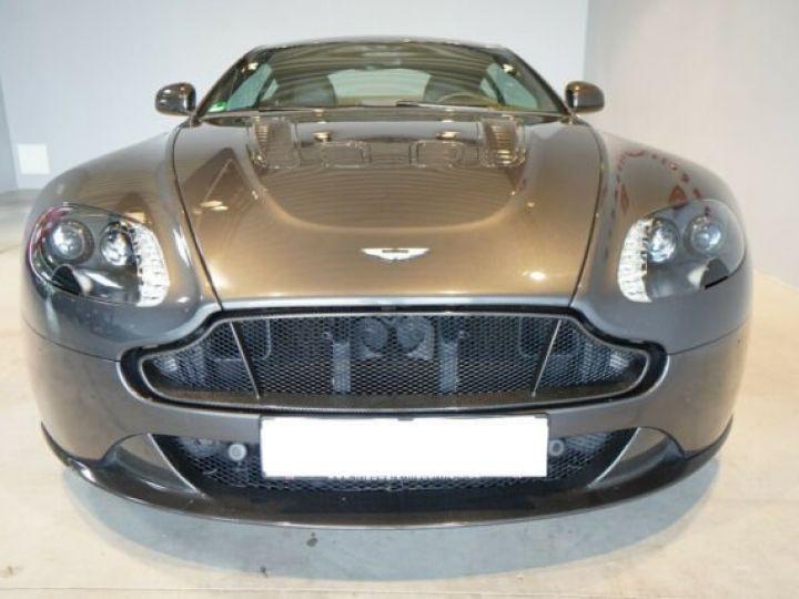Aston Martin V12 Vantage Pack carbone intérieur+extérieur Meteorite Silver métal - 13