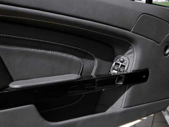Aston Martin V12 Vantage S China Grey - 21