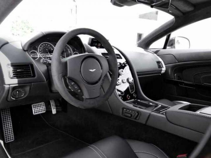Aston Martin V12 Vantage S China Grey - 13