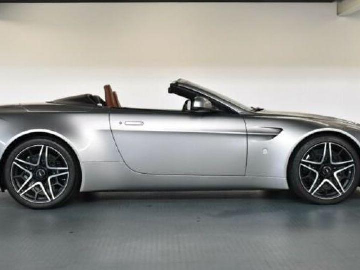 Aston Martin V12 Vantage V600 Roadster # 1 of 7 Spirit Silver métal - 7