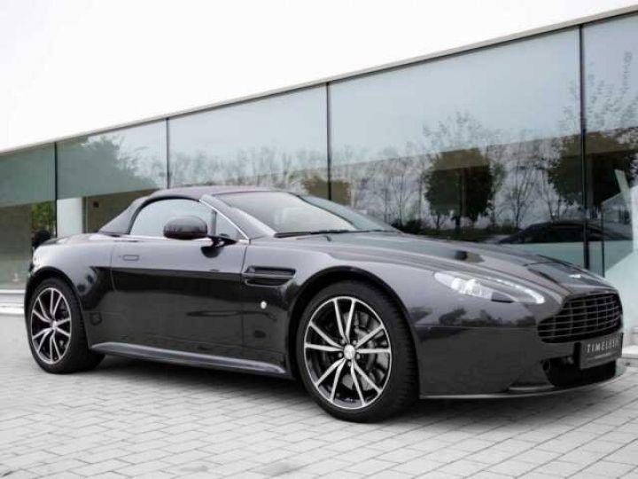 Aston Martin V8 Vantage Ceramic Grey métal - 2