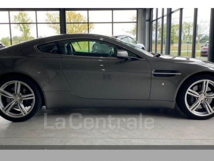 Aston Martin V8 Vantage 4.7 sportshift gris - 5